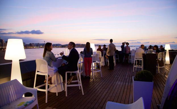 Disfruta de las mejores terrazas de gij n el comercio for Terrazas oviedo