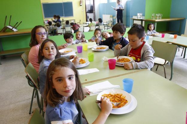 Los alumnos del colegio Castillo de Gauzón inauguran el nuevo ...