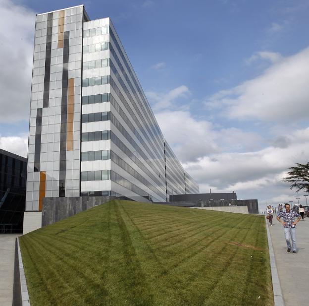 El Hospital Universitario Central de Asturias. / M. ROJAS