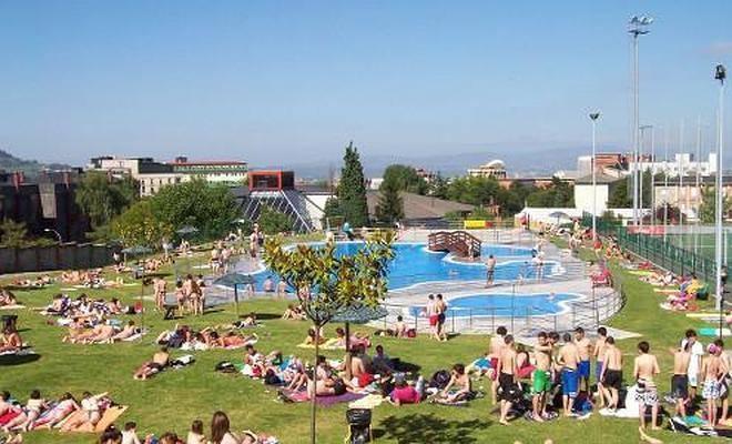 Las 15 piscinas asturianas que no te puedes perder este for Piscinas san lazaro oviedo