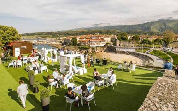 Bluu Beach Cafe Bar (Llanes)
