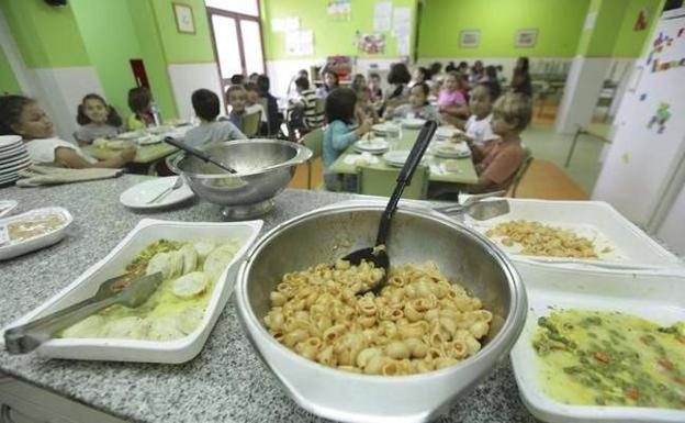 Más de 4.000 niños disfrutan de becas comedor en verano | El Comercio