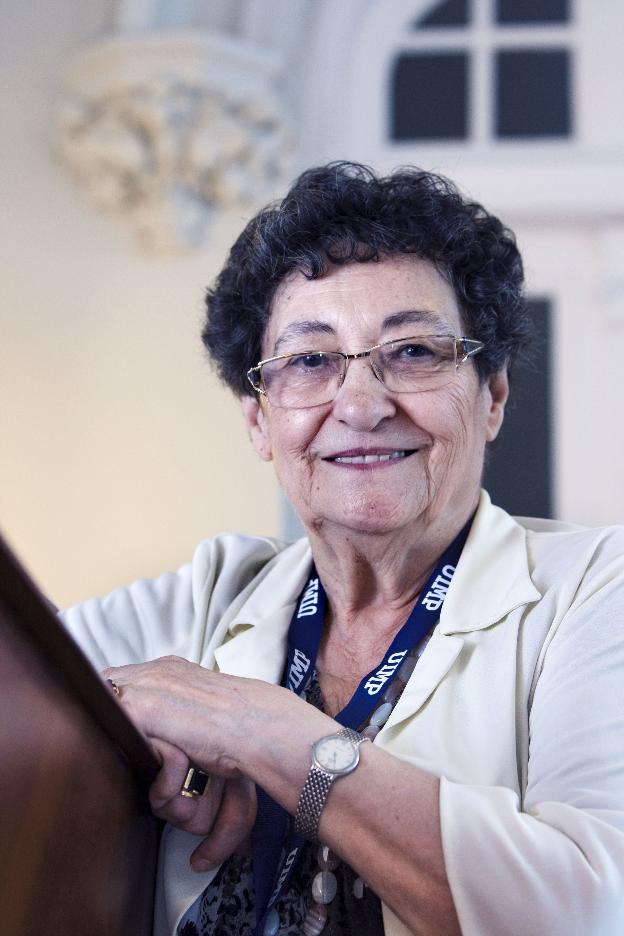 La escritora alicantina Francisca Aguirre. /  ROBERTO RUIZ