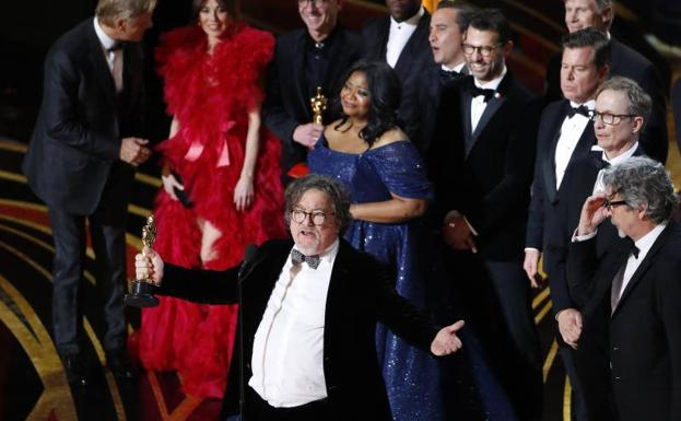Peter Farrelly, junto al equipo de 'Green Book'./Reuters
