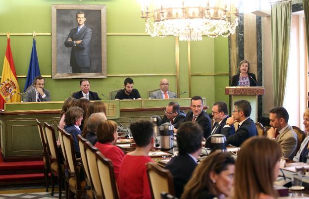 El Pleno de investidura el pasado 15 de junio, cuando Alfredo Canteli tomó posesión como alcalde del municipio. / ALEX PIÑA