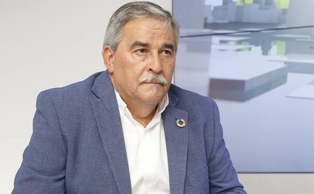 Aníbal Vázquez renuncia por tercera vez a su sueldo como alcalde de Mieres
