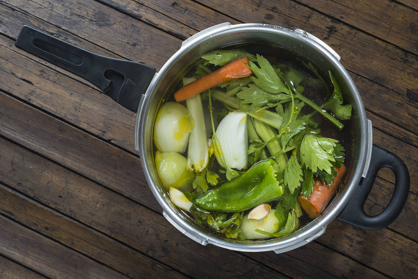 La Receta De José Andrés Para Un Caldo De Verduras Perfecto
