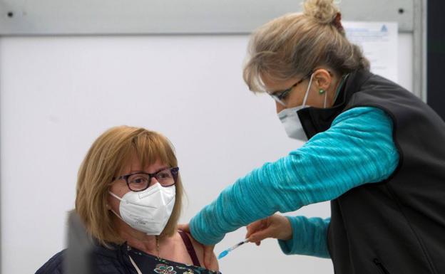 19-A. España sigue sin alcanzar la velocidad de crucero en la vacunación tras casi cuatro meses