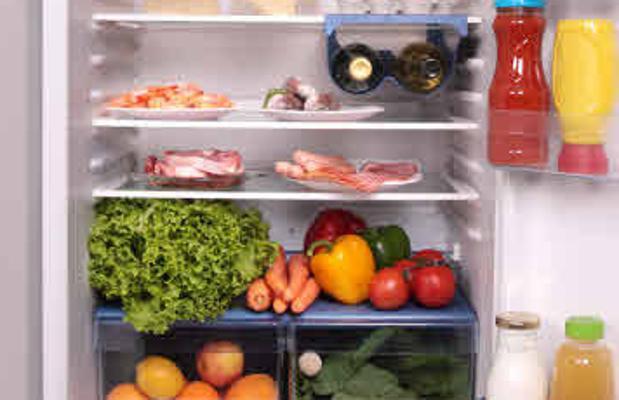 ¿Qué alimentos pueden quedar en la nevera al irnos de vacaciones?