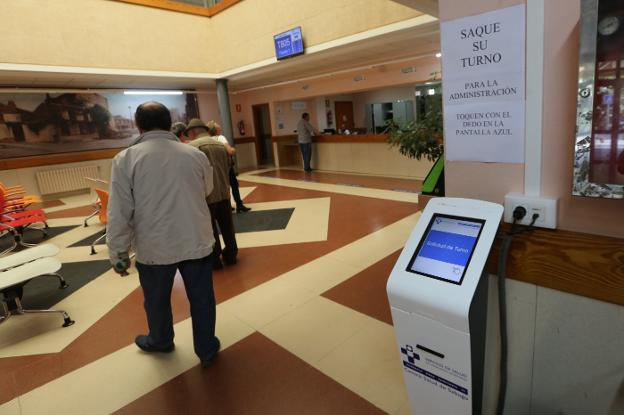 El colapso de la centralita del centro de salud de Sabugo genera quejas de usuarios