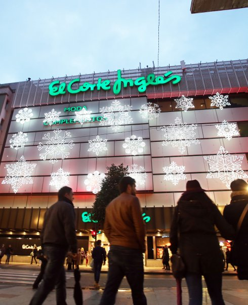 El Corte Ingles Enciende Sus Luces De Navidad El Comercio - Iluminacion-el-corte-ingles