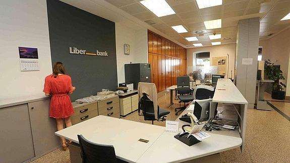 Liberbank centraliza en toledo su actividad administrativa for Oficinas caja extremadura
